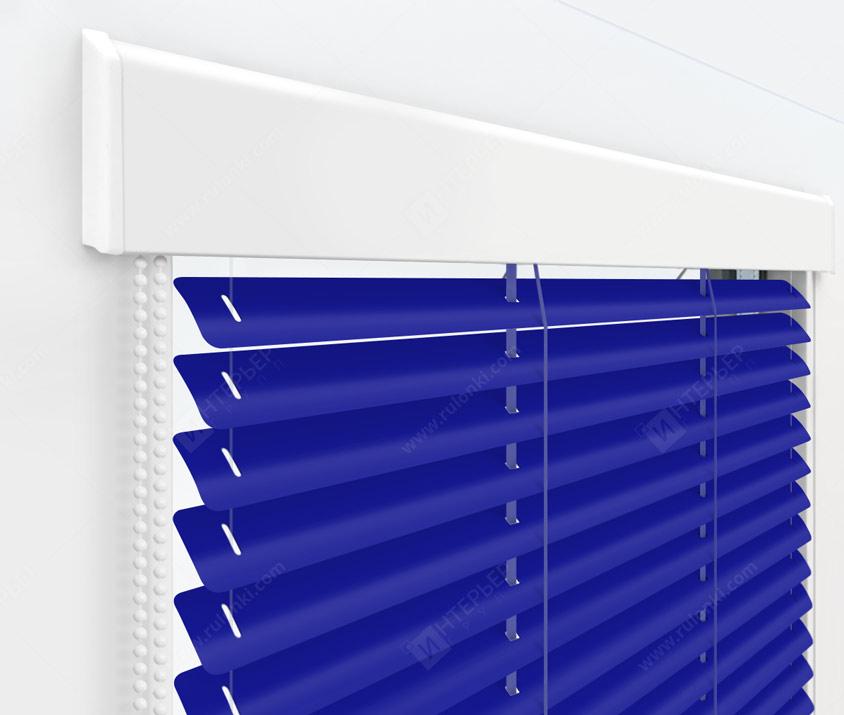 Жалюзи Изолайт 25 мм на пластиковые окна - цвет кобальтово-синий